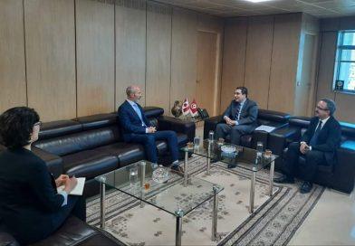 العمل من أجل تعزيز التعاون الاقتصادي بين البلدين، محور لقاء بين محمد سليم العزابي وسفير كندا بتونس